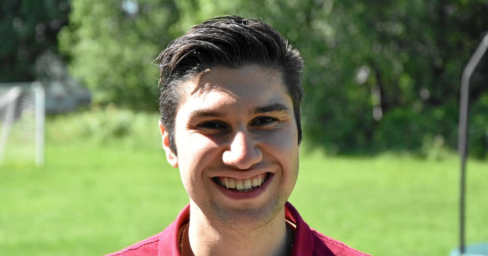 Sadug Alfeli er medlem av fylkesstyret i AUF Innlandet. Foto: Privat
