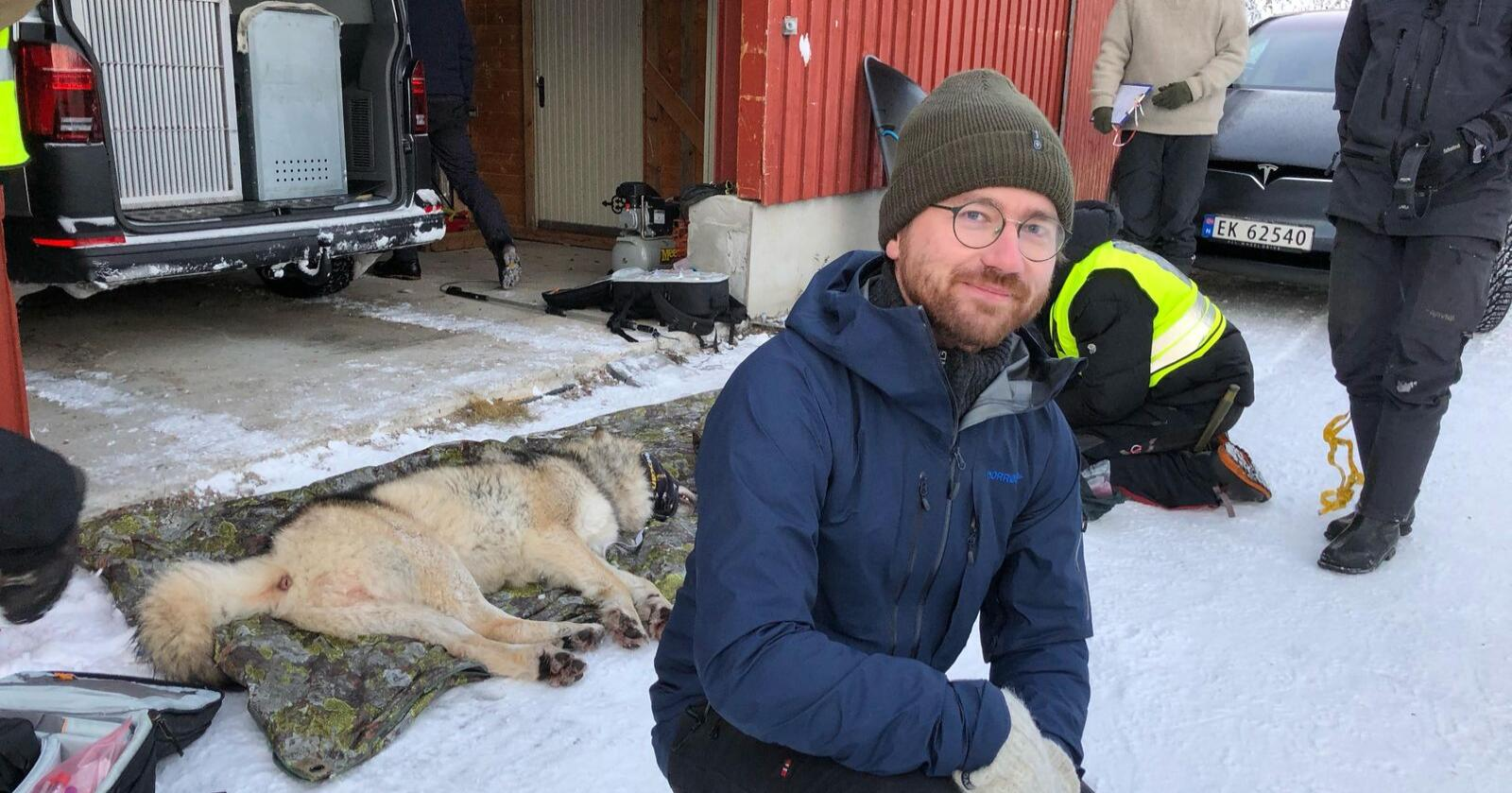 – Vi har hatt de beste pilotene og skytterne i sving i dag, sier klima- og miljøminister Sveinung Rotevatn (V). Foto: Klima- og miljødepartementet