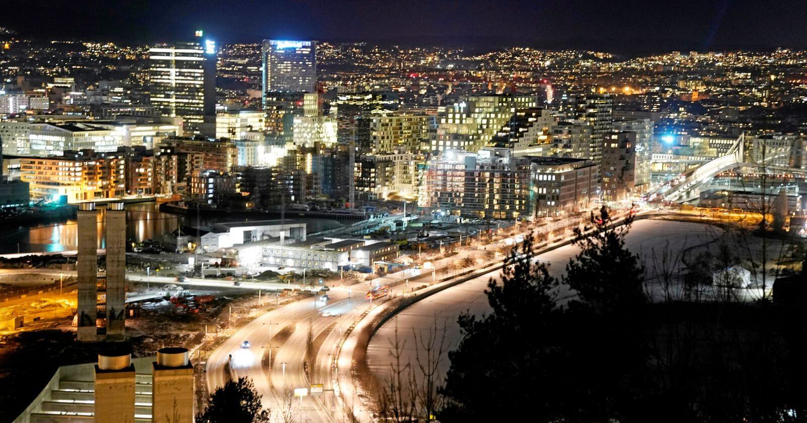 Oslo: Oslo har langt lågare klimagassutslepp per innbyggjar enn mange distriktskommnunar. På den andre sida bind Oslo også svært mykje mindre klimagassutslepp per innbyggjar enn distriktskommunane. Foto: Cornelius Poppe / NTB scanpix