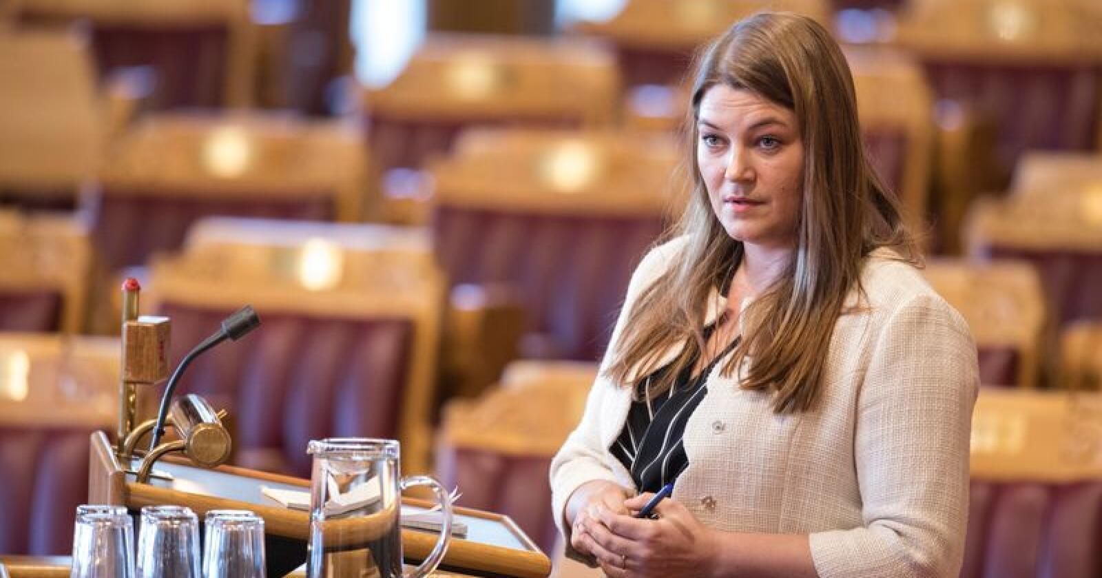 Næringspolitiker Cecilie Myrseth (Ap) mener neste års statsbudsjett er bekmørk lesing for distriktene på kysten. Foto: Ole Berg-Rusten / NTB Scanpix