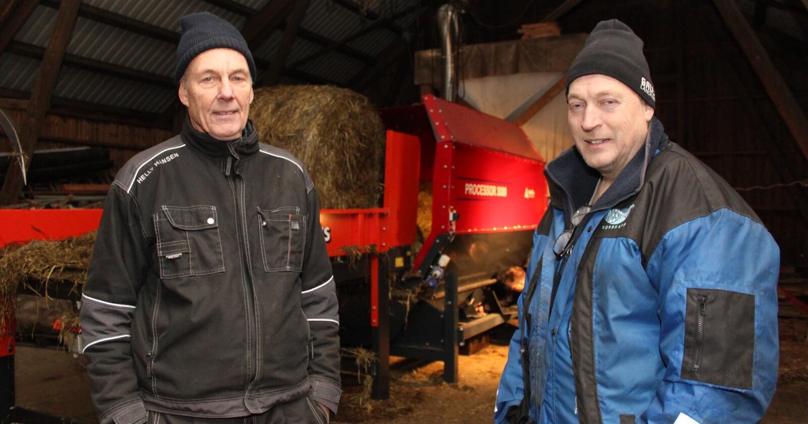 SOLGT: Hans Kråbøl (t.v.) og Rune Heggen har solgt fôrmikseren HaRu Processor 3000 til TKS Agri. Arkivfoto: Norsk Landbruk