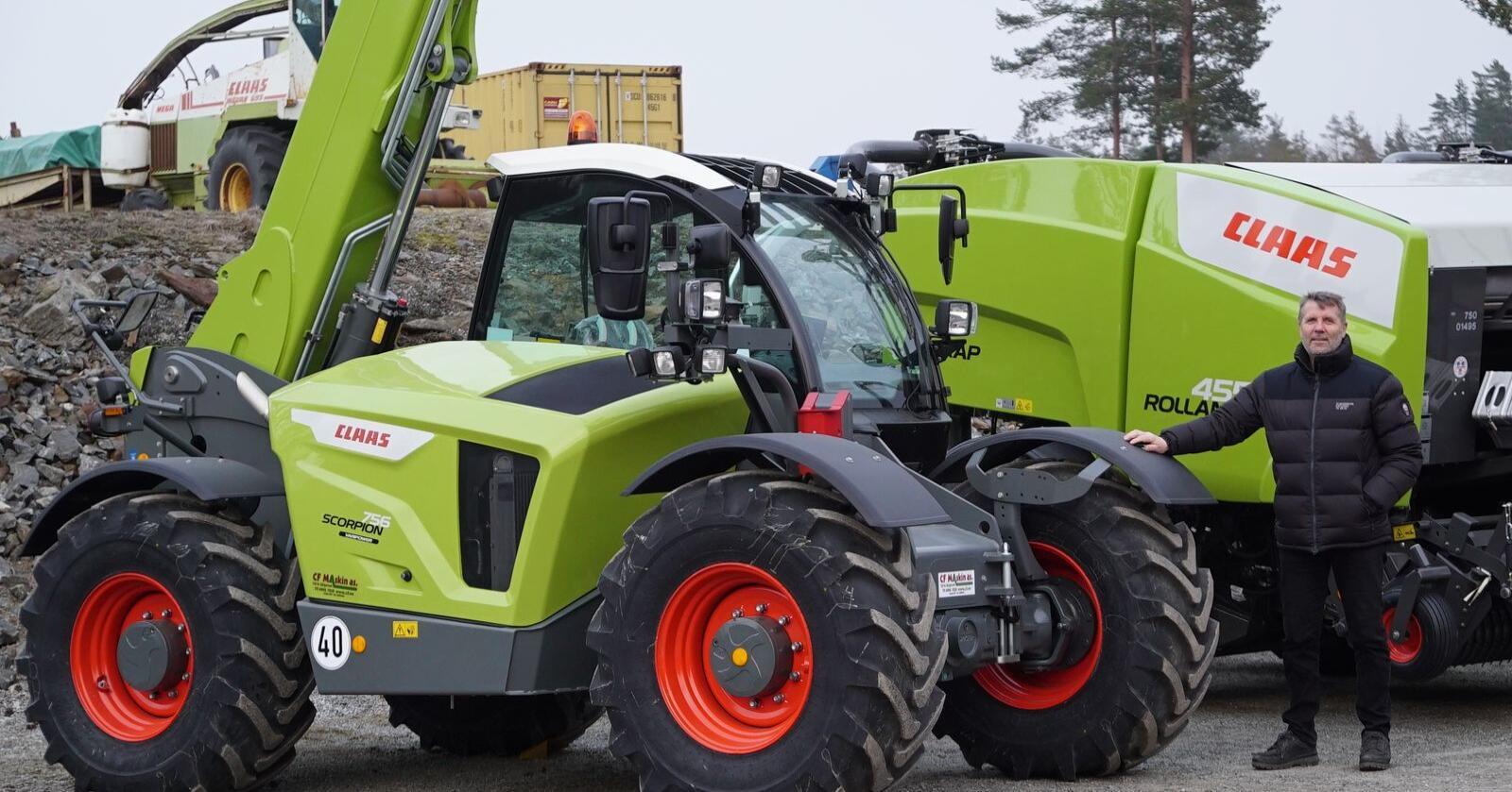 Frank Karling i CF Maskin ser på det som en stor fordel å kunne tilby norske gårdbrukere en hurtiggående lastemaskin de kan kjøre med vanlig traktorsertifikat. (Foto: Norwegian Agro Machinery)