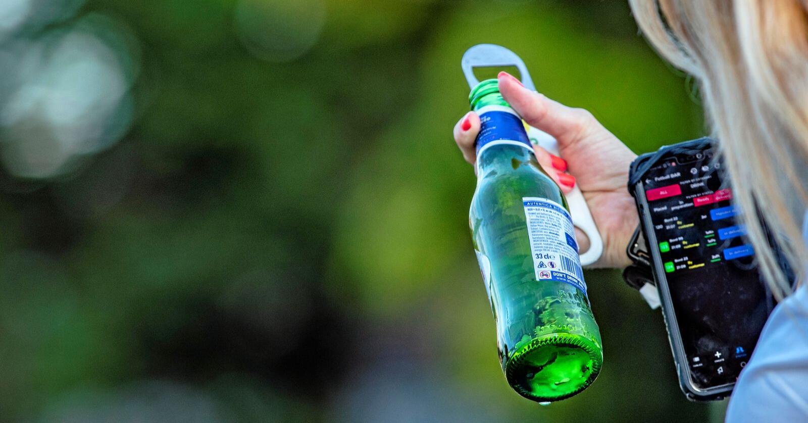 Kutt: Den norske folkeleveren tar ikke skade av hjemlige avgiftskutt, men av totalt alkoholkonsum. Foto: Geir Olsen / NTB scanpix