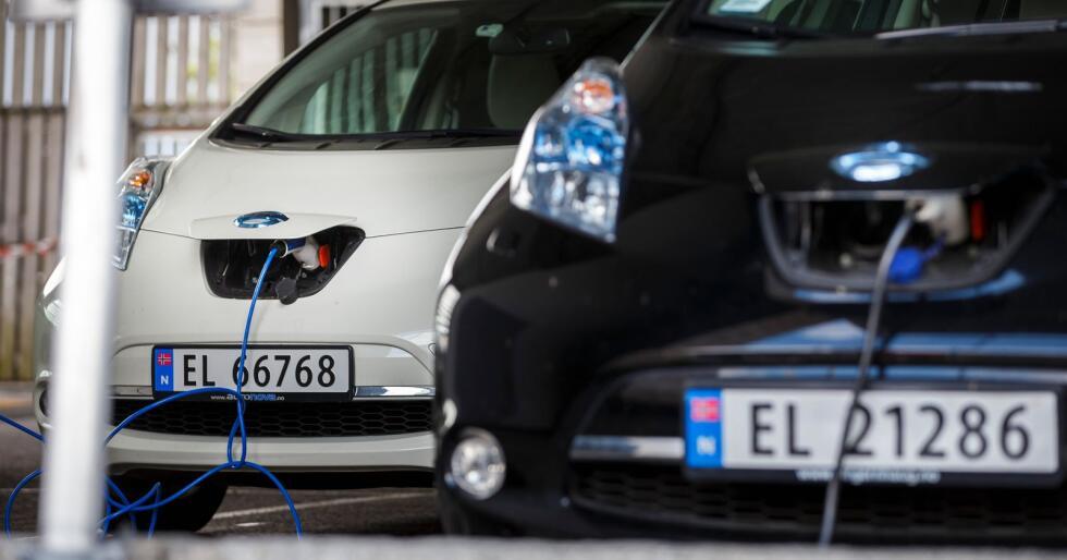 Sju EU-land spytter inn 32 milliarder kroner i et storstilt prosjekt for å utvikle nye og mer effektive batterier til bruk i elbiler. Illustrasjonsfoto: Heiko Junge / NTB scanpix