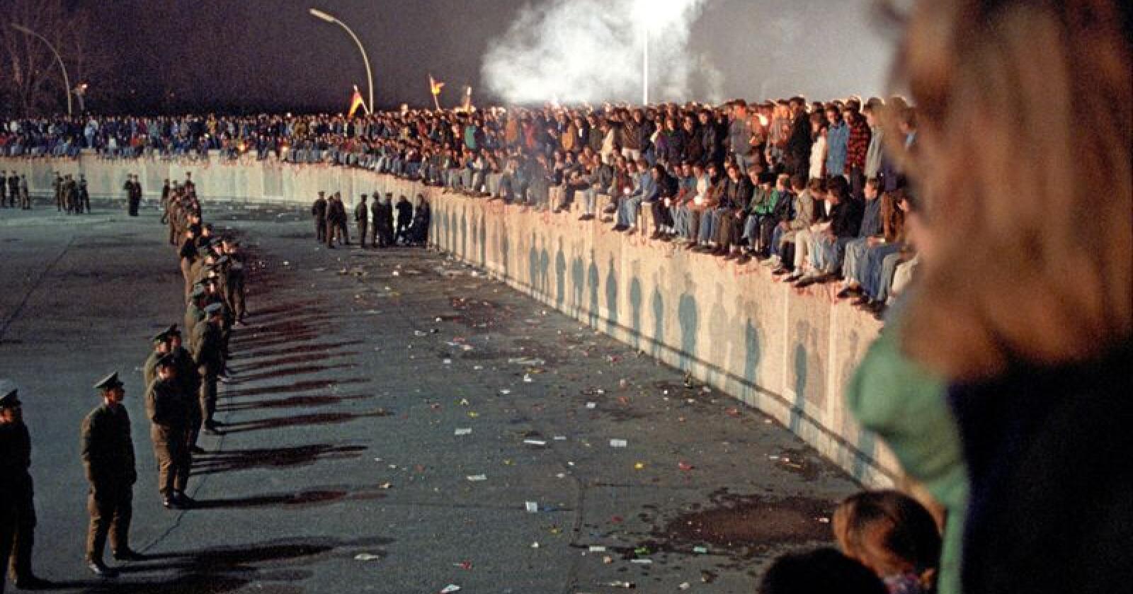 Historisk høst: Muren som delte Berlin og verden i to, falt for 30 år siden. Foto: Jørn H. Moen / NTB scanpix