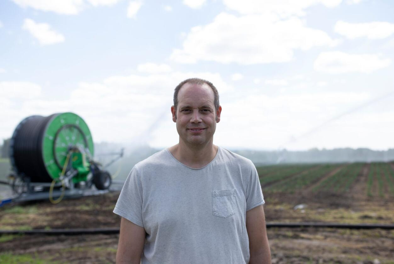 Nils Olve Gillund er valgt til ny styreleder i Gartnerhallen SA. 41-åringen produserer løk og blomkål, og er utdannet samfunnsøkonom. Han har frem til nå vært regionleder i GH Mjøsen. Foto: Differ Media/Karoline Finnema