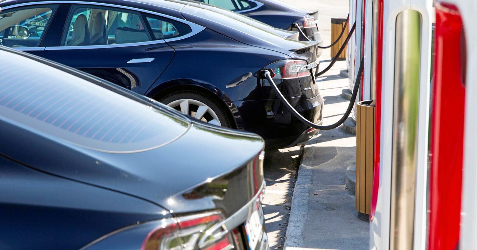 Ap og Elbilforeningen vil ha mer statlig støtte for å gjøre det mulig å ha elbil på bygda. Foto: Tore Meek / NTB scanpix