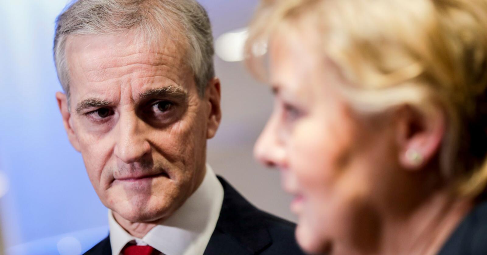 Arbeiderpartiets leder Jonas Gahr Støre er fornøyd med at Erna Solbergs (H) regjering dropper en stor omlegging av kraftskatten, men påpeker at problemet med investeringstørke ikke er løst. Foto: Vidar Ruud / NTB scanpix