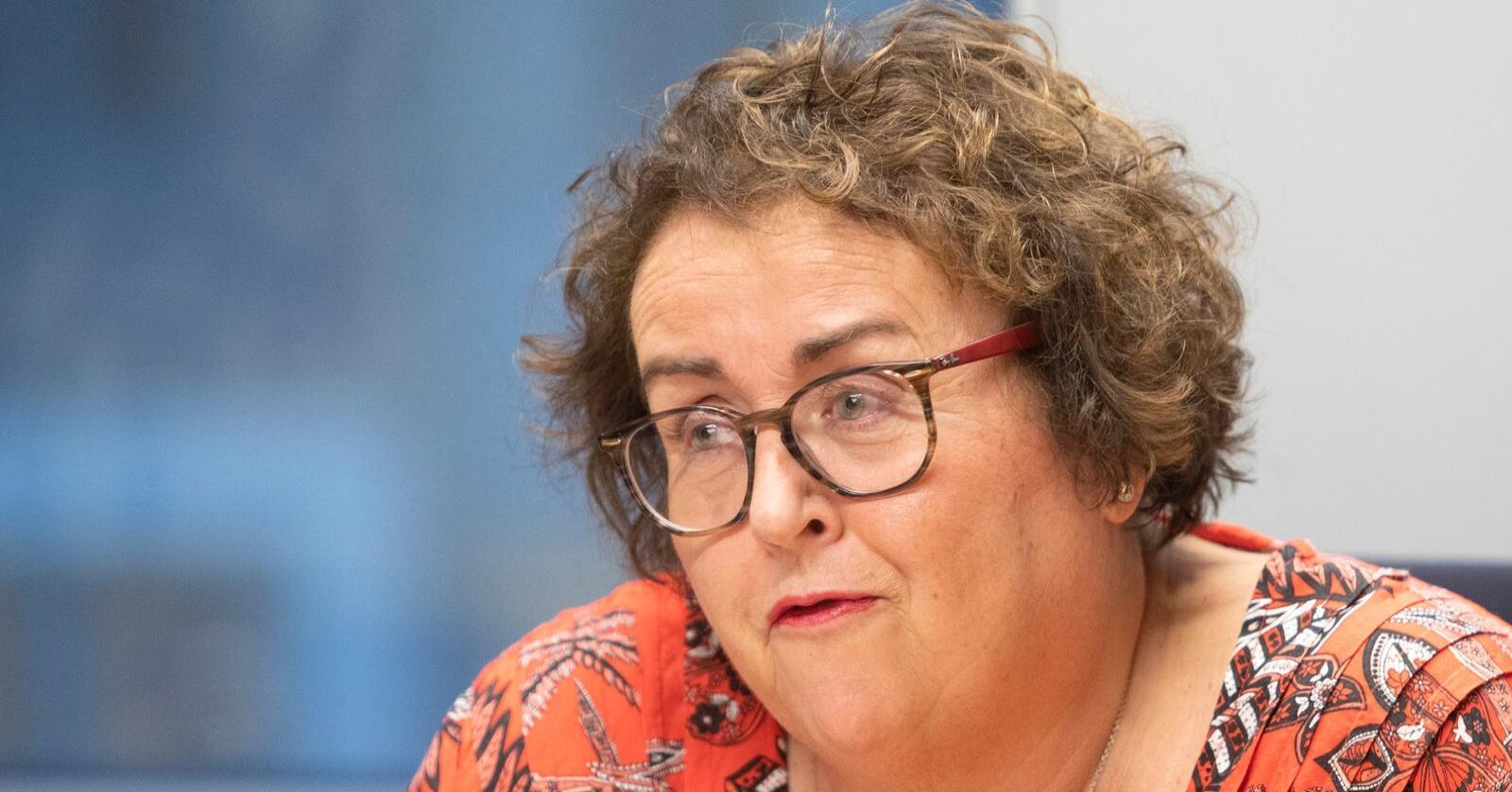 Landbruks- og matminister Olaug Bollestad (KrF) forteller at hun jobber tett med både næringa og andre departementer for å finne løsninger på manglende arbeidskraft.Foto: Terje Bendiksby / NTB scanpix
