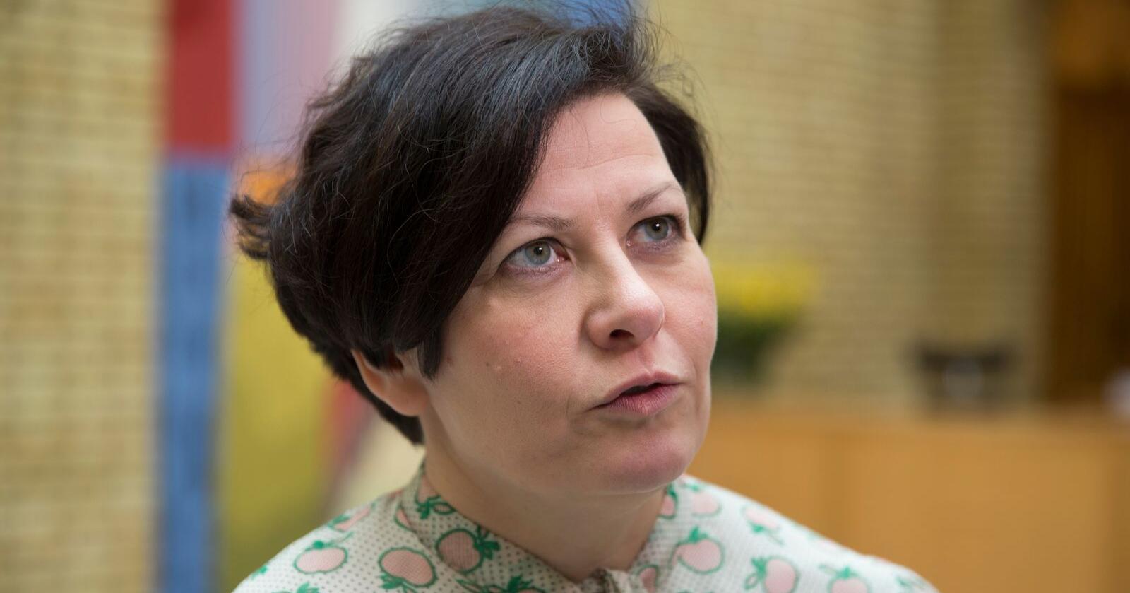 – Vi trenger ikke en lederdebatt nå. Nå trenger vi å jobbe for valgseier sammen, sier Helga Pedersen. Her er hun fotografert i vandrehallen i 2016. Foto: Berit Roald / NTB