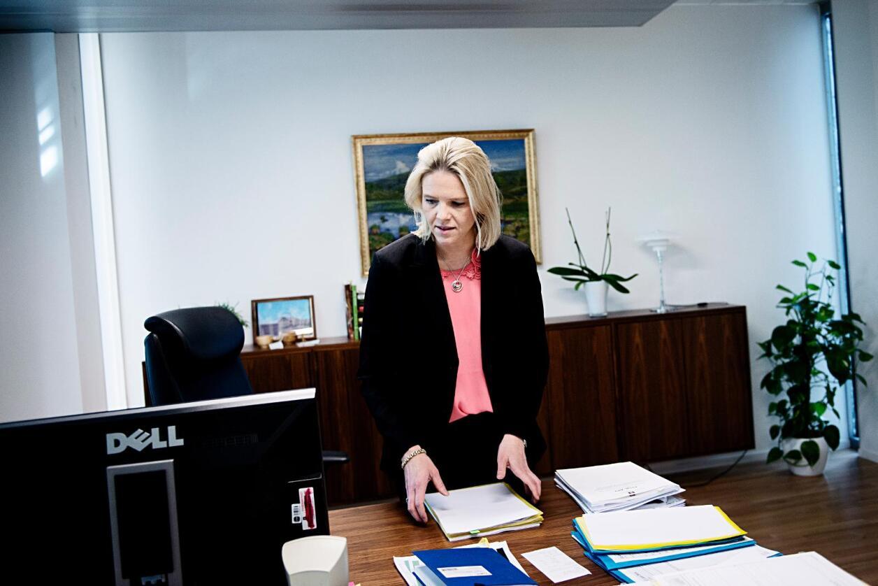 I skuffen?: Ifylgje NRK har landbruks- og matminister Sylvi Listhaug og resten av regjeringa bestemt seg for å leggje loven om god handelsskikk i skuffen for godt. Foto: Marius Nyheim Kristoffersen