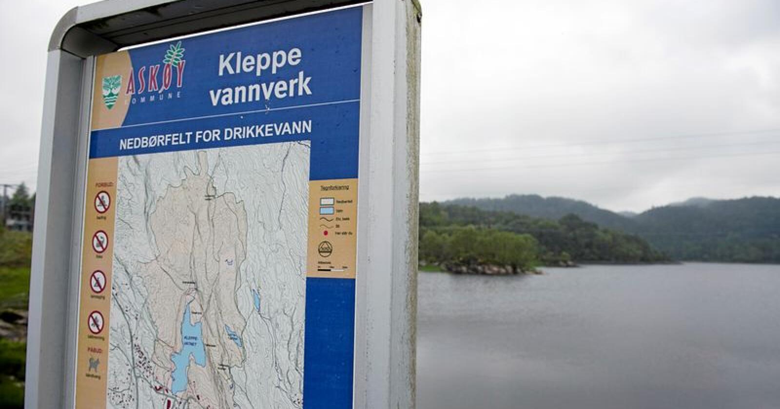 Rundt 50 personer har vært innom legevakten på Askøy med symptomer som feber, diaré og magesmerter på grunn av mistanke om smitte via Kleppe vannverk på Askøy.  Foto: Marit Hommedal / Scanpix