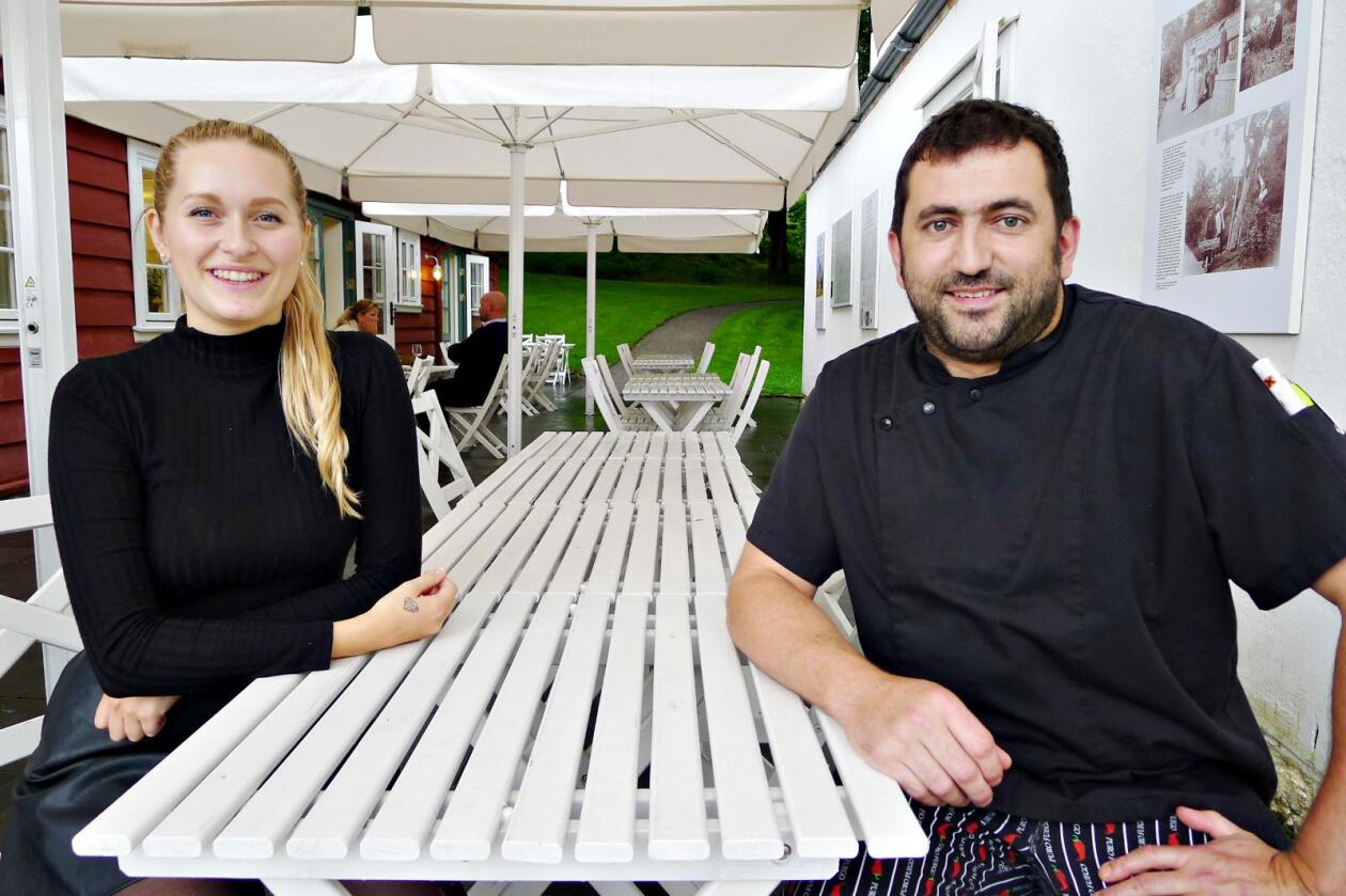Frå hagen: Mange menyar er bygde rundt råvarer frå den nyrestaurerte kjøken- og urtehagen ved Baroniet, fortel Ingvill Traavik Sture og Renaud Girardot.