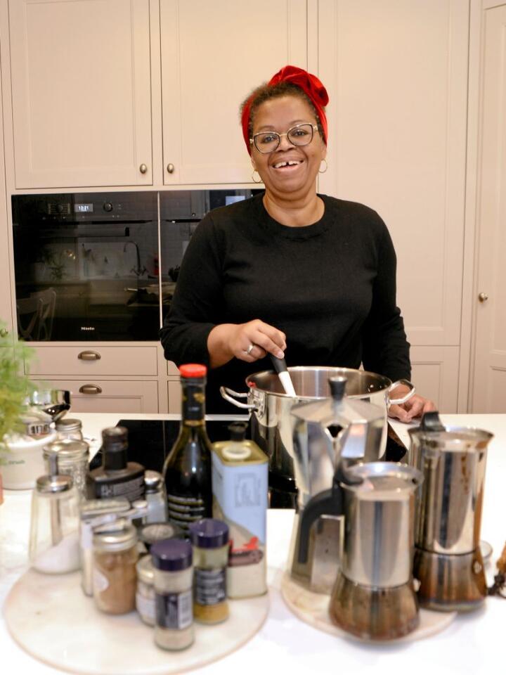 Grunnleggeren av Marmeladedamen, Fatima Maria Lavoll blogger om mat og deler oppskrifter som egner seg som julegaver. Foto: Mariann Tvete