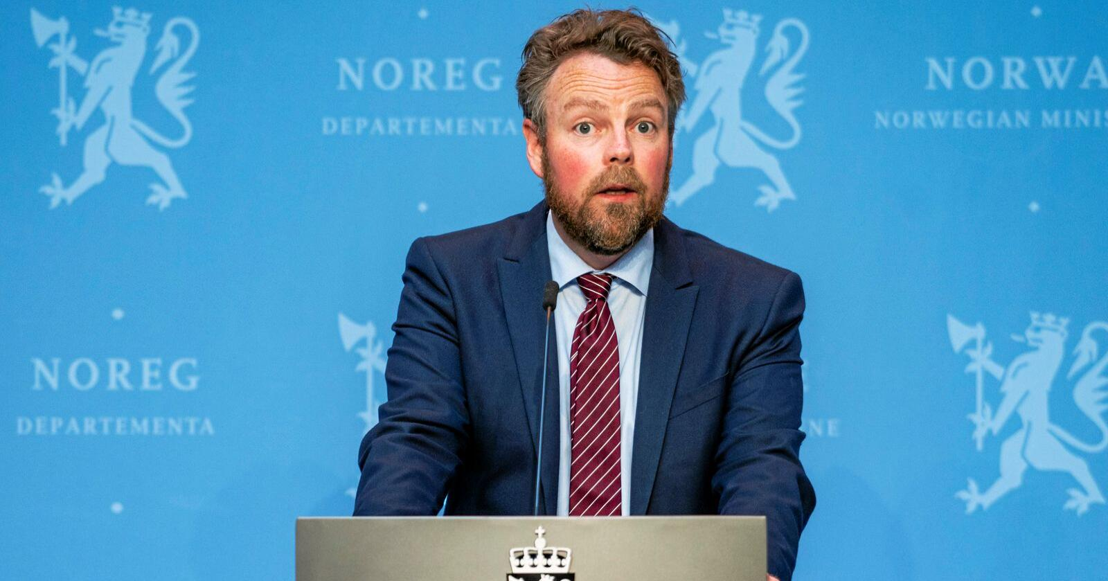 Bør reagere: Torbjørn Røe Isaksen (H) bør foreslå endringer i AAP-regelverket. Foto: Håkon Mosvold Larsen / NTB scanpix