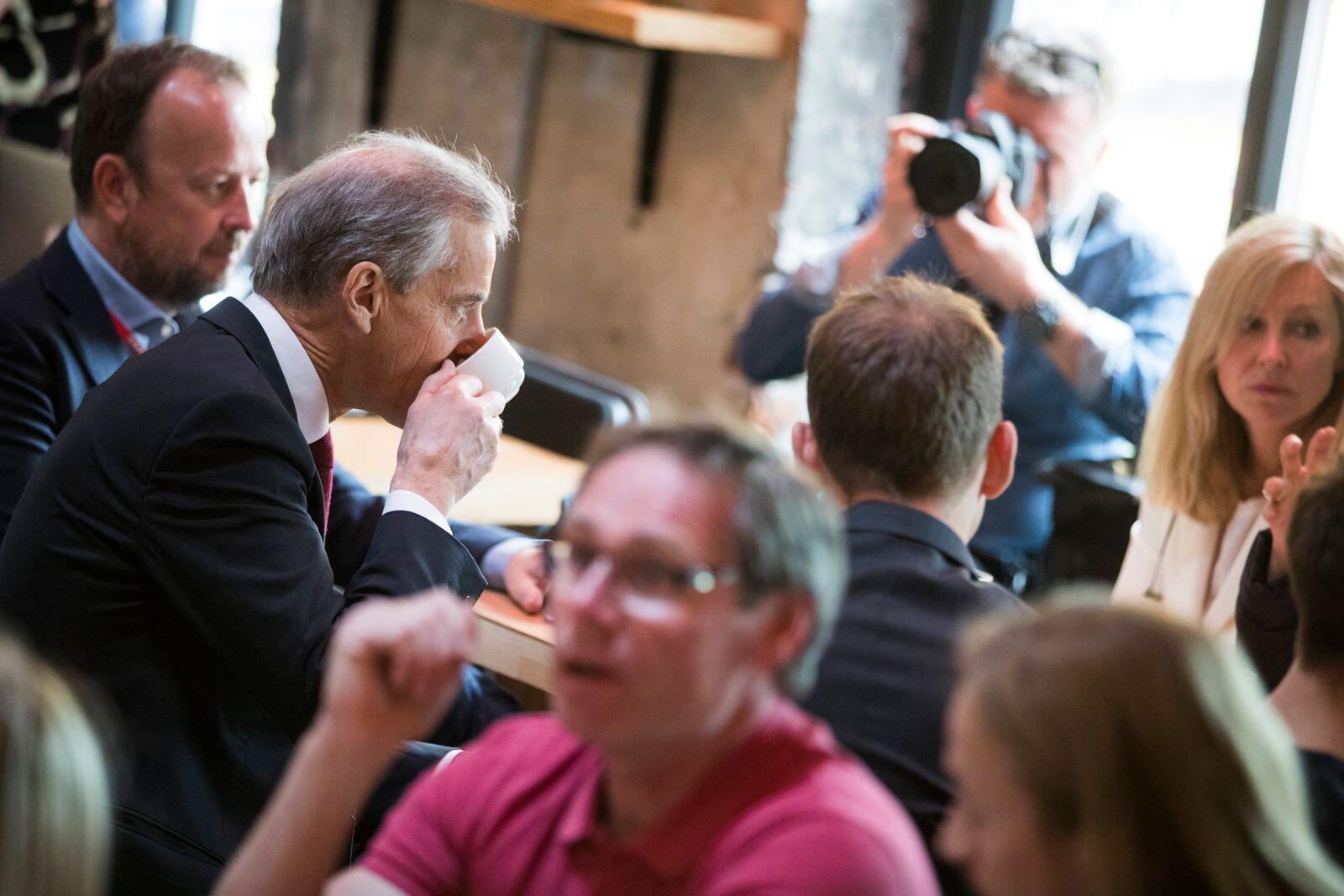 PvdA-leider Jonas Kahr Sterre neemt in 2017 een koffiejaar.  Foto: Hagon Mosvold Larsen / NDP