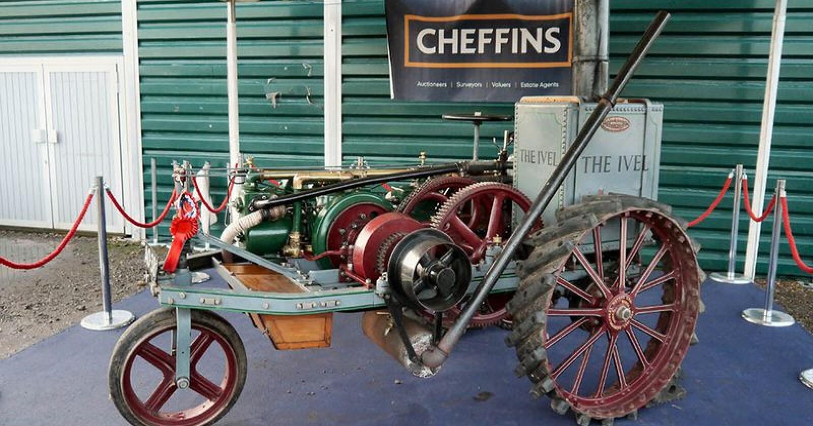 """Med en salgssum på vanvittige 328.600 britiske pund, er John Moffits """"The Ivel"""" den dyreste veterantraktoren som noen sinne er omsatt i Storbritania. (Foto: auksjonshuset Cheffins)"""