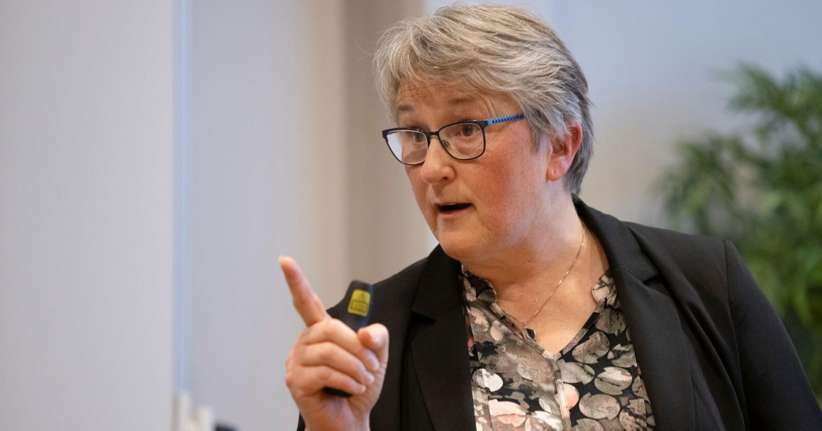 – Jeg er selvsagt skuffet og er ikke enig i dommen, sier leder Birgit Oline Kjerstad i Nei til vindkraft på Haramsøy. Foto: Svein Ove Ekornesvåg / NTB