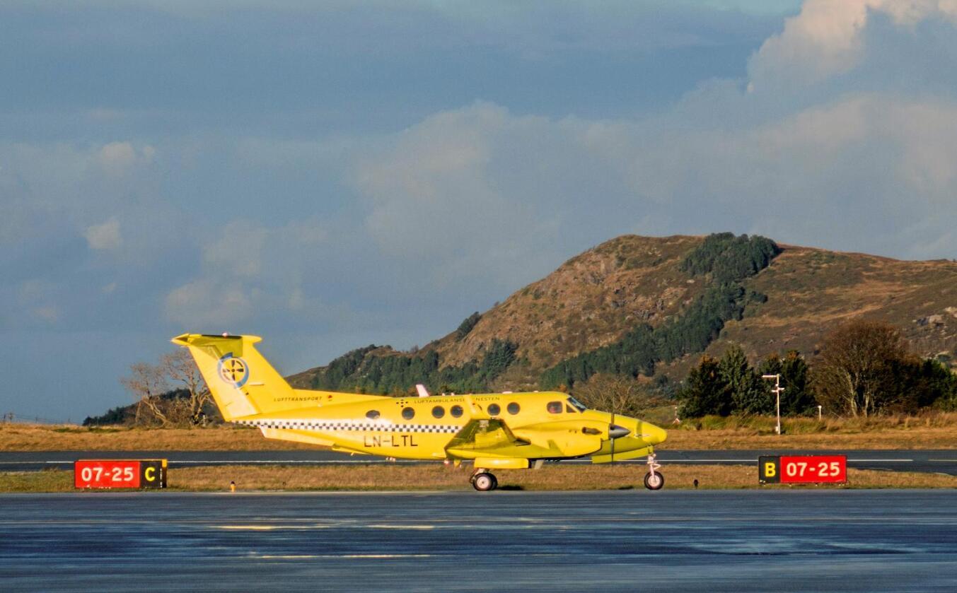 På bakken: Den pågånede striden om luftambulansetjenesten i nord har ført til at fly har blitt stående på bakken.Foto:  Paul Kleiven/NTB scanpix