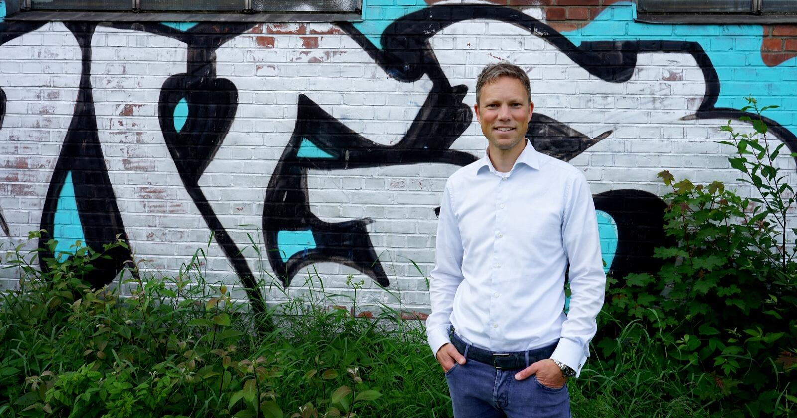 Eirik Sunde skal bygge næringsbygg og leiligheter i Tønsberg, på en gammel industritomt. Foto: Lars Bilit Hagen