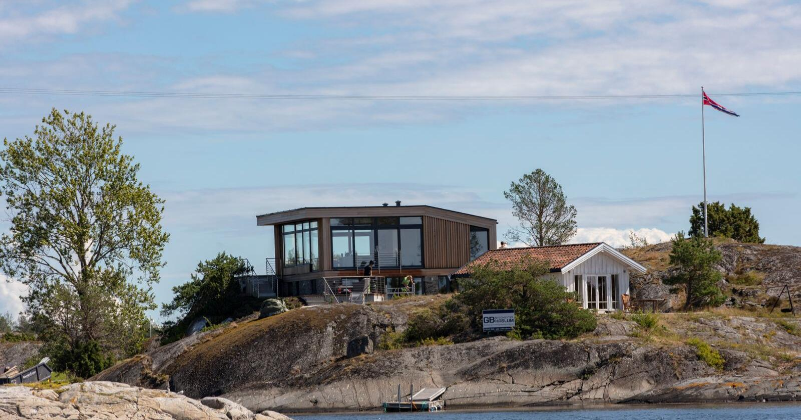 Det er gode tider i hyttemarkedet for tiden. Her en hytte i Kragerø skjærgård. Foto: Geir Olsen / NTB