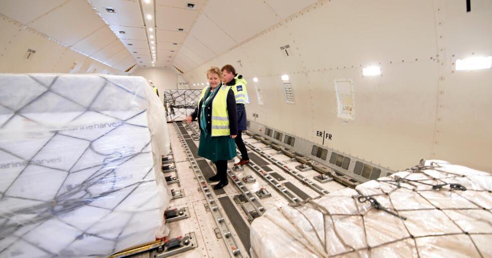 Eksport: Statsminister Erna Solberg besøkte sjømatterminalen på Gardermoen i 2016. Sjømat er en av våre viktigste eksportvarer, også til EU-land. Foto: Vidar Ruud / NTB scanpix