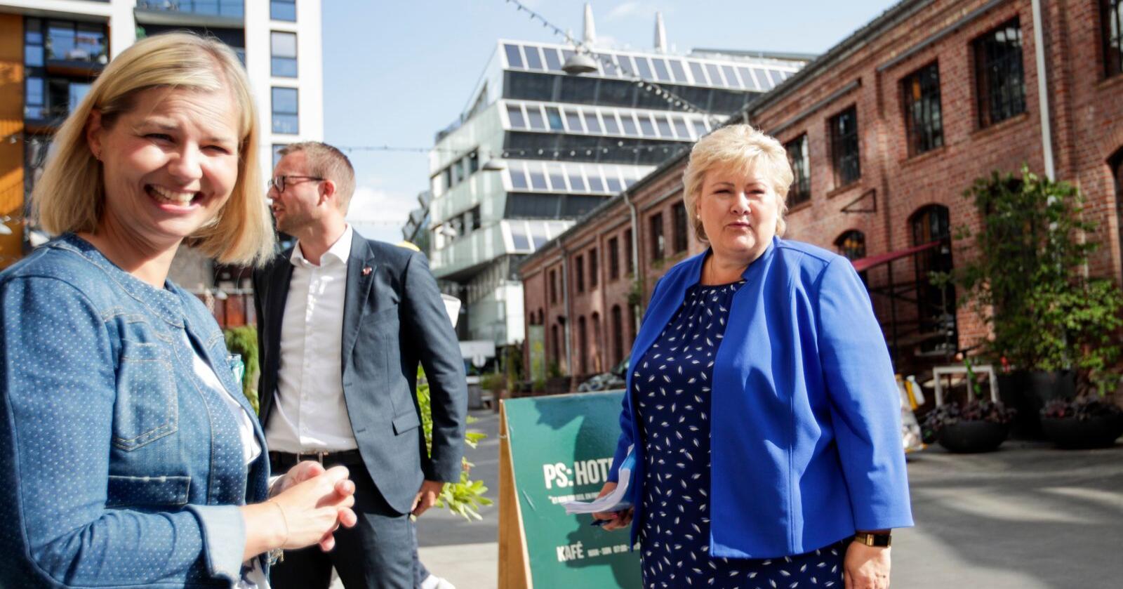 Høyre-leder Erna Solberg, Venstre-leder Guri Melby og KrF-leder Kjell Ingolf Ropstad lanserer ti grep for å skape arbeidsplasser og sikre at flere får jobb. Foto: Javad M. Parsa / NTB