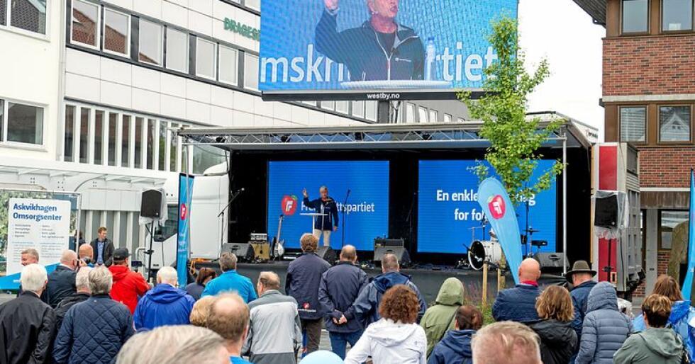 Frp-leder og finansminister Siv Jensen gikk til angrep på eiendomsskatten da hun sparket i gang Fremskrittspartiets offisielle valgkamp lørdag. Foto: Marit Hommedal / NTB scanpix
